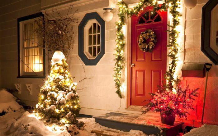 Украшенный дом к Рождеству