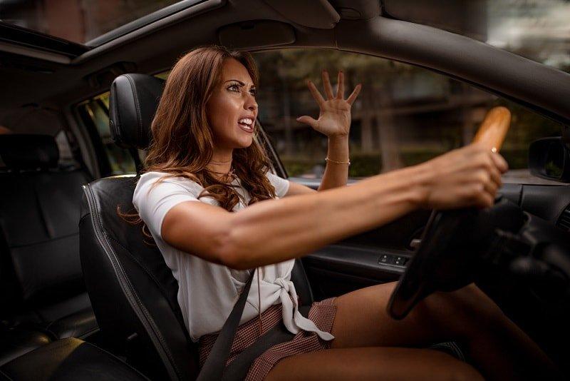 агрессивных водителей
